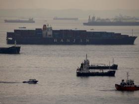 A szellemhajók ellepték Dél-Korea legnagyobb kikötőjét