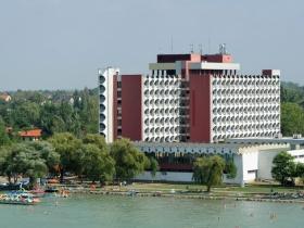 Bezárt a Balaton legendás szállodája