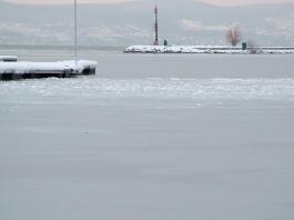Életveszélyes a Balaton jege