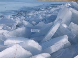 Még tartja magát a balatoni jég