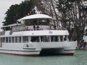 Felavatták a Balaton legújabb hajóját