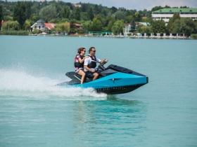 Ha egy teljesen új vízi élményre vágysz: Balatonról indulnak a világ első Electrojetjei!