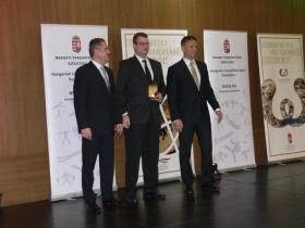 Ifj. Csóka Lászlót és Michelisz Norbertet is díjazta a Nemzeti Versenysport Szövetség!