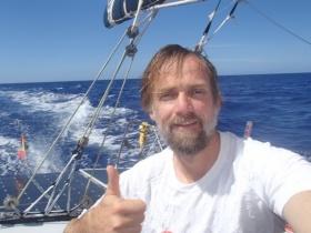 Javier Sansó hajója felborult a Vendée Globe-on