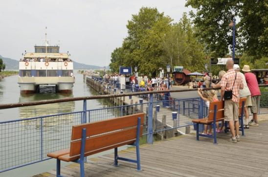 Leérhet a hajók feneke a Balatonban