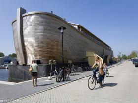 Megépítették Noé bárkájának élethű mását