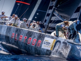 Platoon győzelem Menorca – n az 52 Superseries idei első versenyén