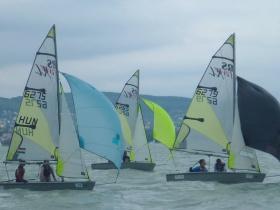 Pörgős RS Feva versenyt rendezett a BYC és a VGYE
